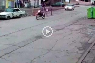 Video: desde una moto abrió fuego contra un grupo de personas