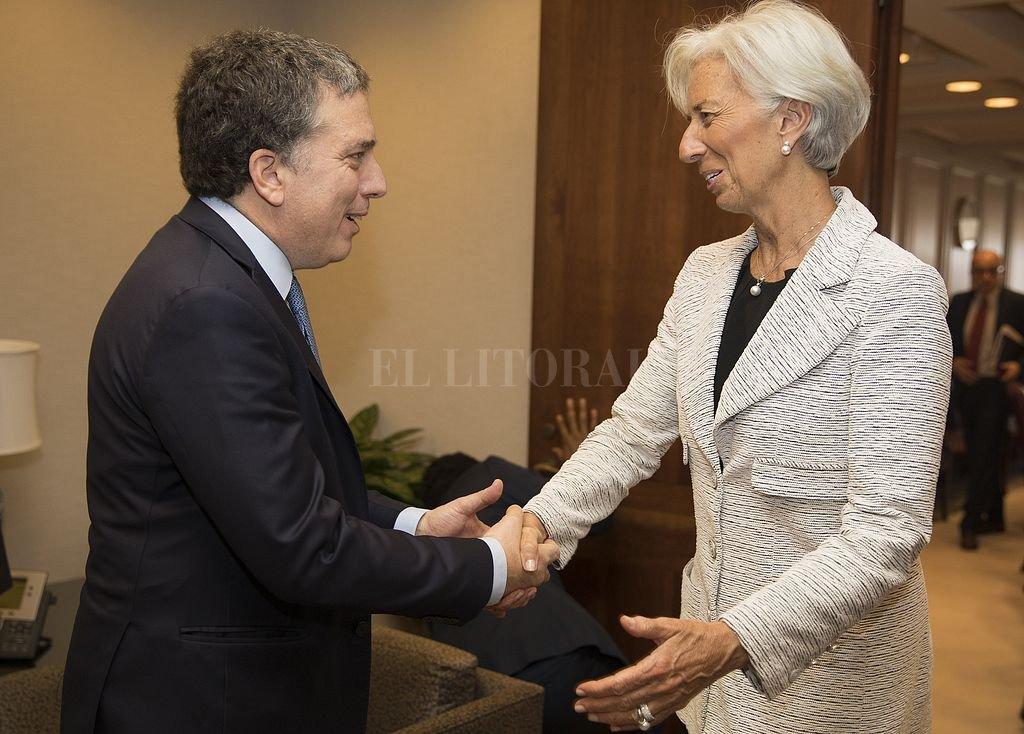 El ministro de Economía argentino, Nicolas Dujovne, fue recibido por la directora gerente del Fondo Monetario Internacional, Christine Lagarde, antes de las conversaciones en la sede del FMI.  <strong>Foto:</strong> Archivo El Litoral