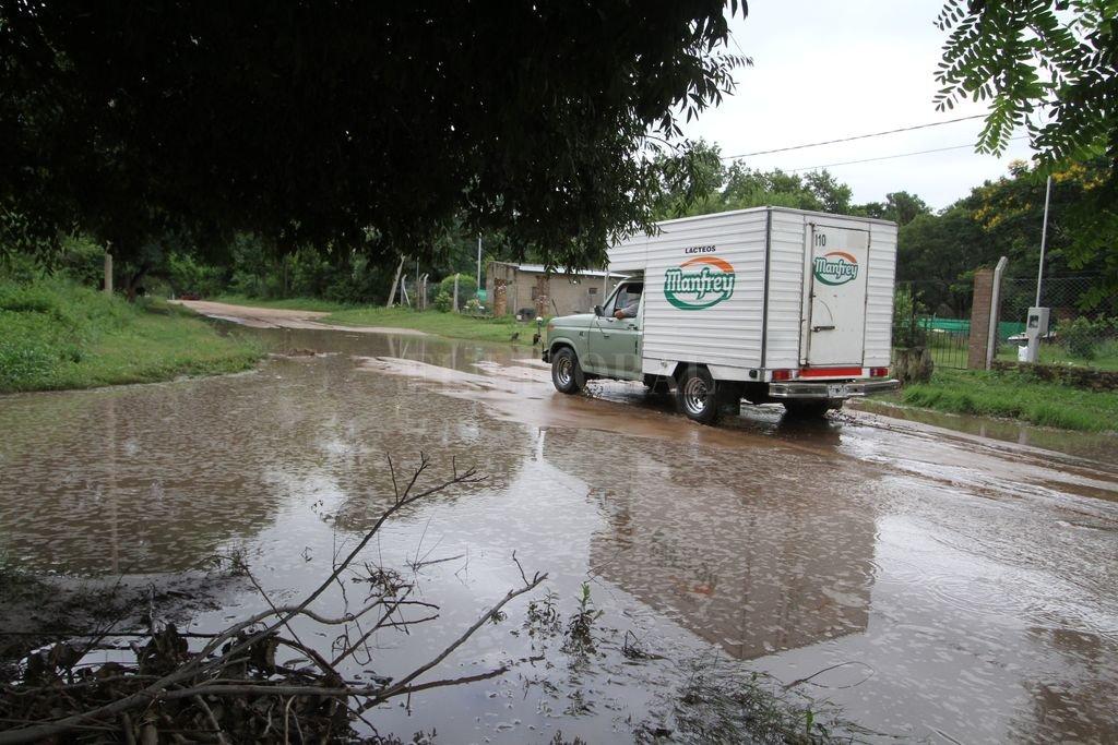Realidad. Hoy algunas calles de arena de la costa acumulan agua de lluvia. Crédito: Guillermo Di Salvatore.