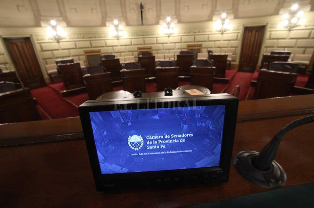 Las normas que siguen en carrera, y las que no, se definieron en largas conversaciones entre el oficialismo y la mayoritaria oposición, antes de la sesión.  <strong>Foto:</strong> Mauricio Garín
