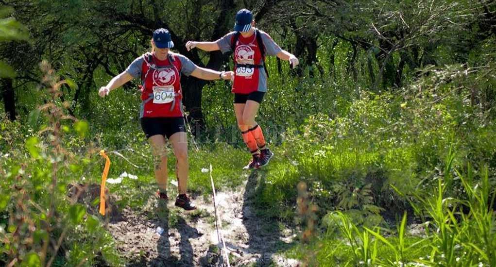La maratonista fue encontrada en una zona al margen del sendero que había sido demarcado por la organización, alejada 300 metros de los límites de la cancha de carrera. <strong>Foto:</strong> Facebook Mosquito Eco Aventura