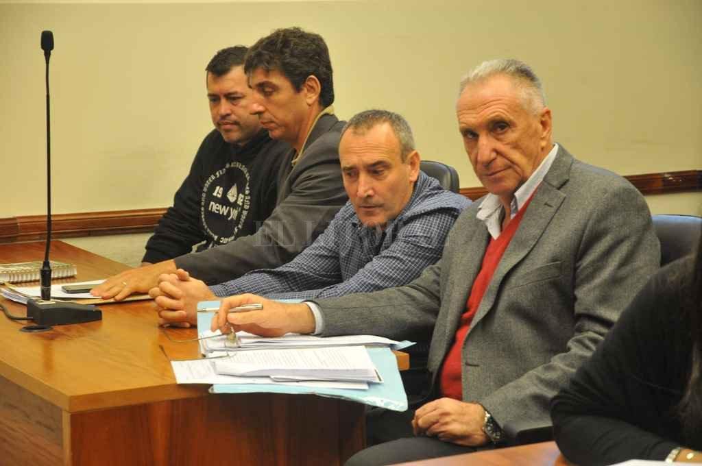 El abogado Luis Hilbert (derecha) destacó el acuerdo al que llegaron las partes y resaltó que una porción del dinero secuestrado estará destinado a acciones benéficas. <strong>Foto:</strong> Flavio Raina