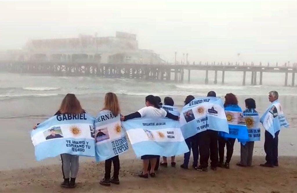 Los familiares de los tripulantes. <strong>Foto:</strong>  LA NACION