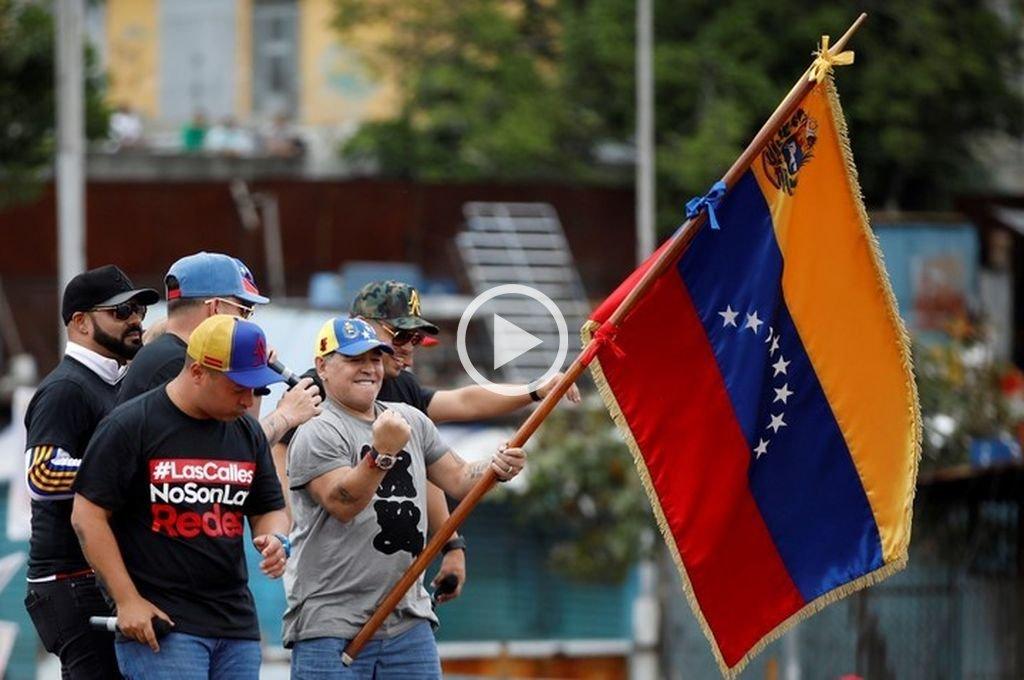 Maradona junto a Maduro en el cierre de campaña electoral
