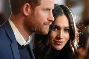 Meghan vuelve sola a Canadá y Harry enfrente la crisis en Reino Unido