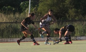 Hockey: La Salle ganó y se mantiene expectante