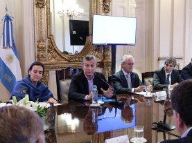 Macri encabeza una reunión de gabinete nacional ampliado