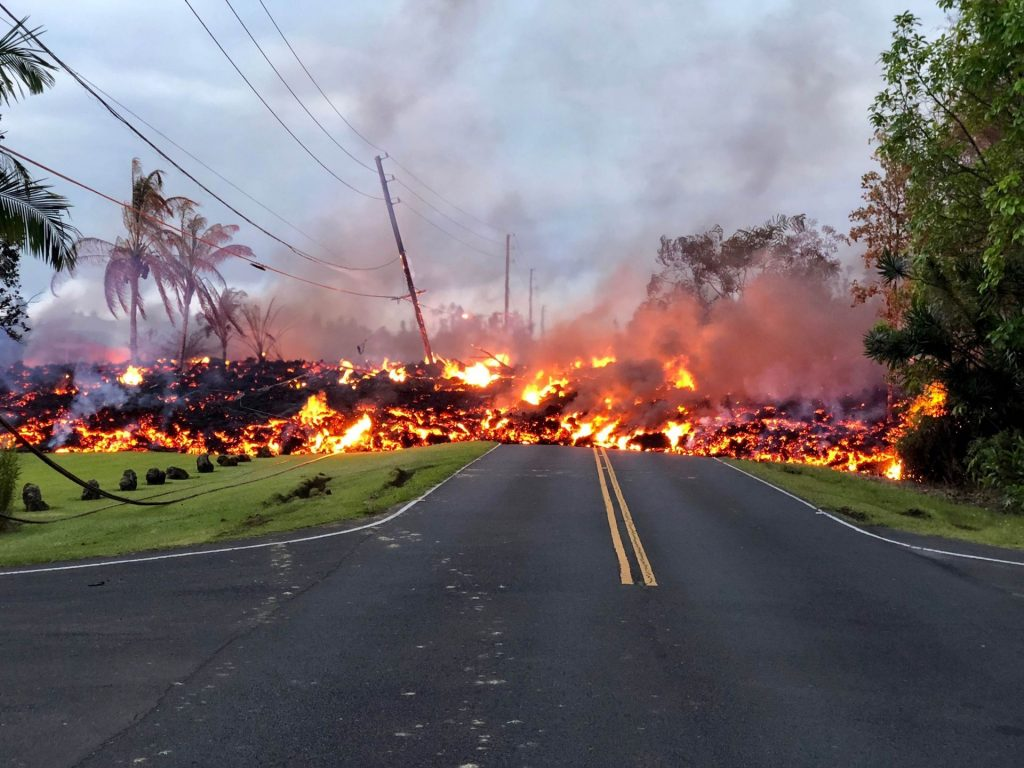 El avance de la lava complicó a cientos de ciudadanos. <strong>Foto:</strong> Internet