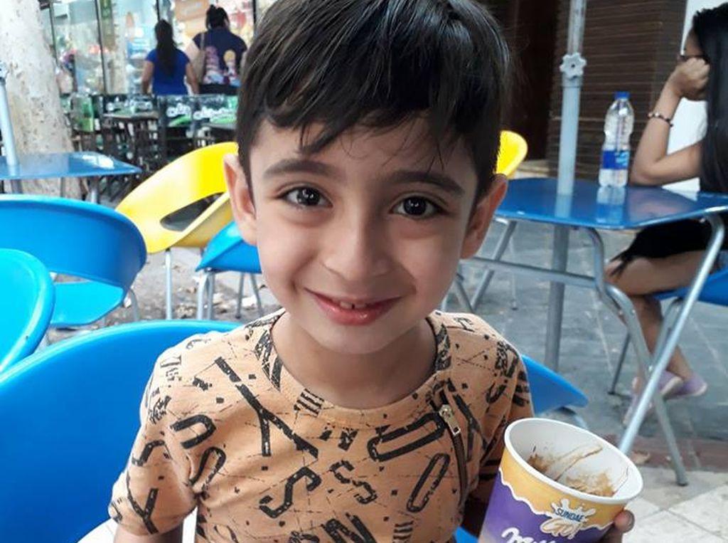 Mariano tiene seis años y es autista. <strong>Foto:</strong> Facebook de Gina Vicentela, la mamá de Mariano.