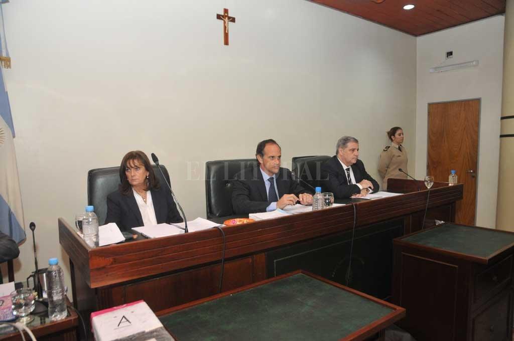 La sentencia estará a cargo del tribunal que integran los jueces María Ivón Vella, Luciano Lauría -presidente- y José María Escobar Cello. <strong>Foto:</strong> Flavio Raina