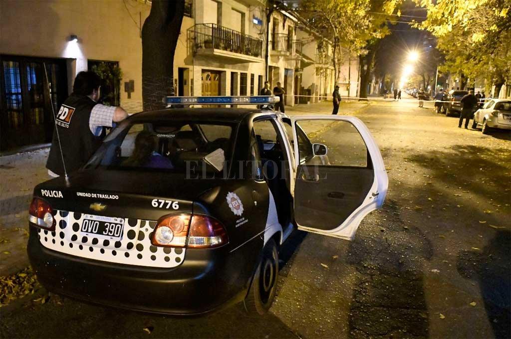 Tras el hecho, la policía desplegó un operativo por la zona <strong>Foto:</strong> Marcelo Manera
