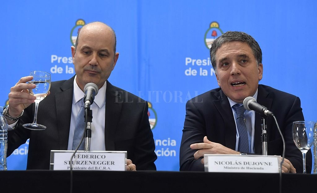 El FMI le prestará 50.000 millones de dólares a la Argentina