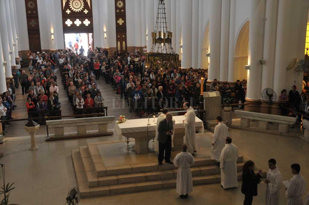 La Basílica de Guadalupe recibirá a cientos de fieles el sábado 9 de junio, en lo que será la misa de asunción del arzobispo Sergio Fenoy, celebración que se dará por primera vez en esta iglesia.  Crédito: Flavio Raina