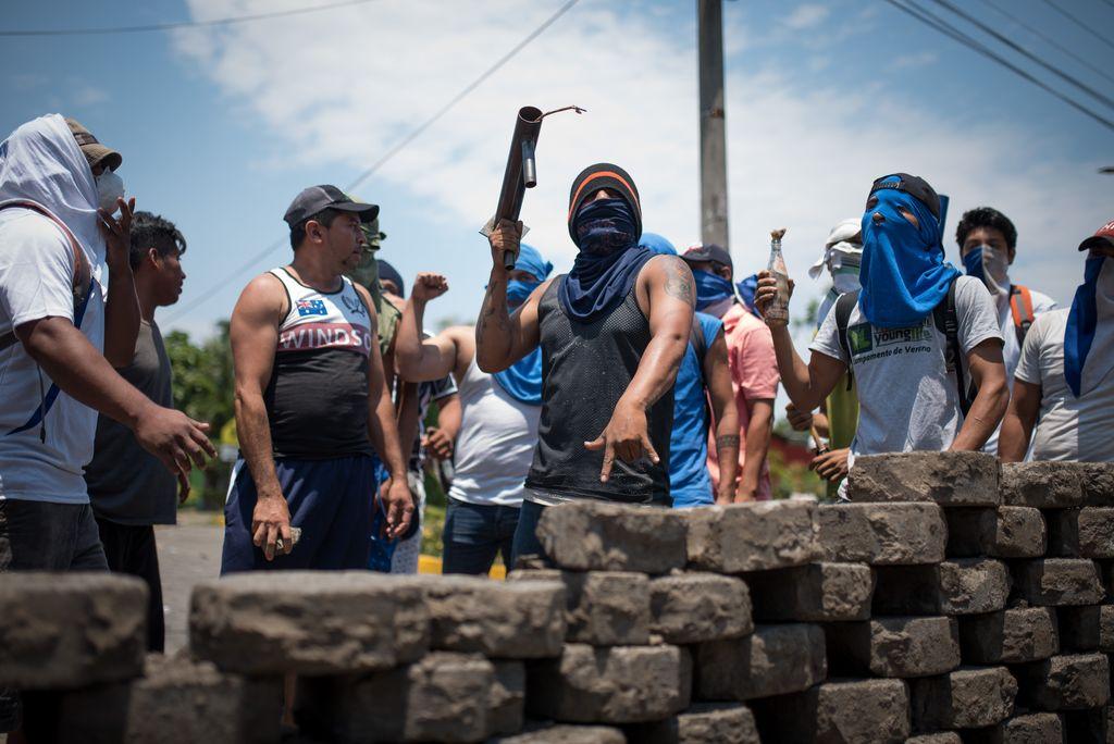 Bloqueo en la entrada de la ciudad de Niquinohomo, Nicaragua, el 07/05/2018. Vecinos de ciudades y pueblos semirurales de Nicaragua se vuelcan a las carreteras para instalar