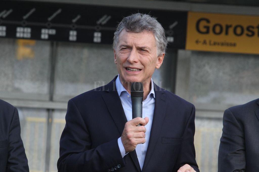 Le pegaron un fuerte pelotazo en la ingle al Presidente Mauricio Macri
