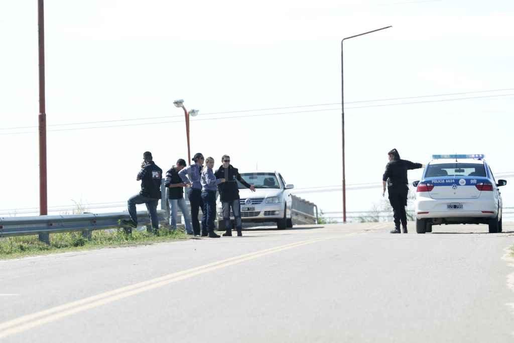 Los vecinos sostienen que los patrulleros circulan por la Ruta 1 y no ingresan a los barrios. Crédito: Archivo El Litoral