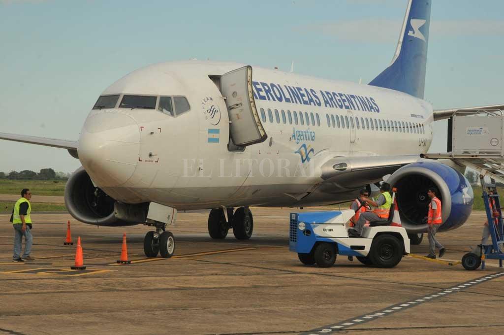 Aerolíneas Argentinas advirtió por ofertas engañosas y fraudes con pasajes