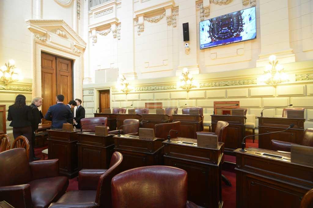Sólo parte de los legisladores de la oposición fueron a la segunda sesión, convocada para las 13 del 21 de junio. Aprobación ficta para Sergio Beccari y Lisandro Villar Crédito: Luis Cetraro