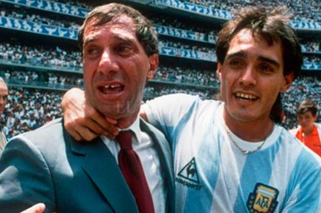Pasculli, campeón del mundo 1986 junto a Bilardo, el técnico ganador de aquel mundial <strong>Foto:</strong> Archivo El Litoral