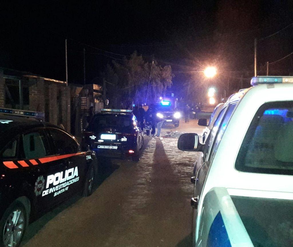 Agentes de la PDI apresaron al sospechoso no muy lejos del lugar del incidente, cuando escapaba por un descampado . Crédito: Periodismo ciudadano.