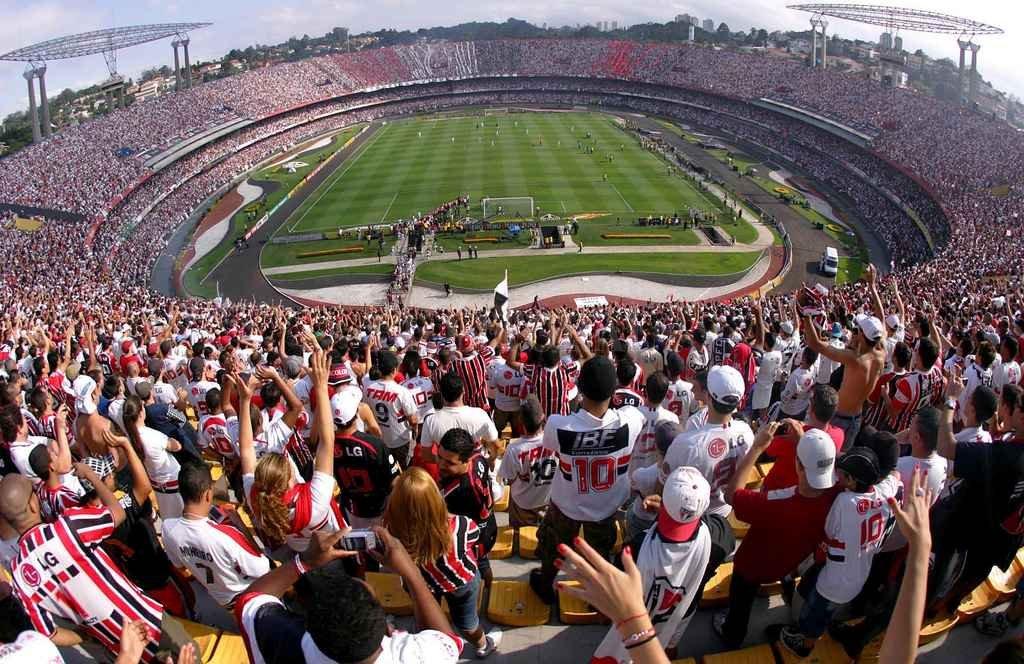 """""""El Negro"""" no estará solo. En cada juego, el San Pablo —o Sao Paulo— mete una multitud en esas gradas imponentes con su """"torcida"""". De todos modos, Colón prepara una gran movilización para ese jueves 2 de agosto por el partido de ida de la segunda fase Copa Sudamericana. Mucha gente sacó ticket por los buscadores en líneas áreas, partirán micros e incluso muchos se irán en auto de Santa Fe a San Pablo.  <strong>Foto:</strong> El Litoral"""