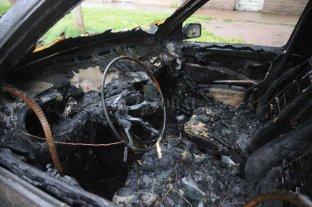Apareció un auto quemado en el norte de la ciudad