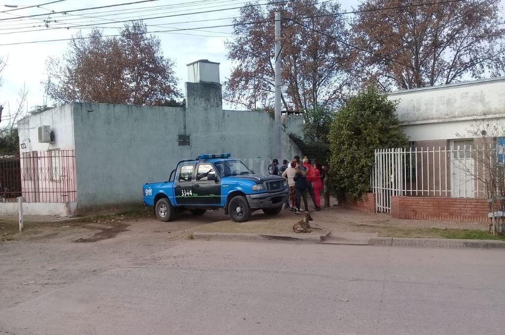 Un momento del operativo realizado por agentes de la PDI y el material estupefaciente secuestrado junto al dinero. <strong>Foto:</strong> Prensa Ministerio de Seguridad
