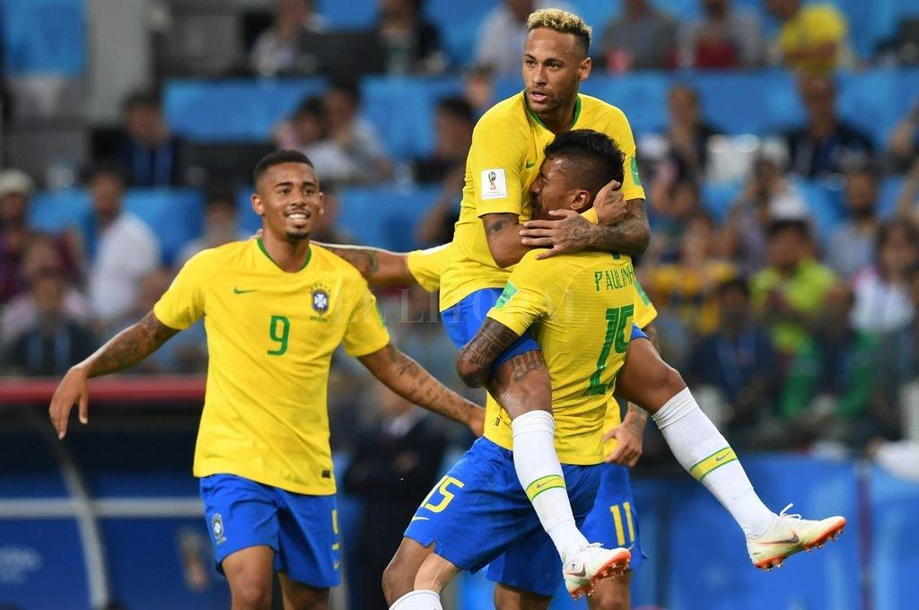 Candidatos. Neymar, Paulinho y Gabriel Jesus son tres de las figuras que tiene Brasil, que además con el DT Tite ha construido una forma de juego y un equipo sólido. Crédito: Xinhua