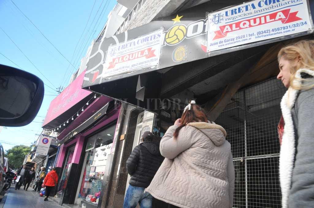 Tendencia. Por el repliegue en las ventas, hubo comercios que cerraron sus puertas durante este año. Crédito: Flavio Raina