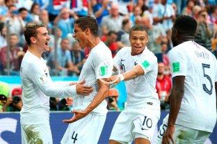Francia jugó mejor, le ganó a Uruguay y clasificó a semis
