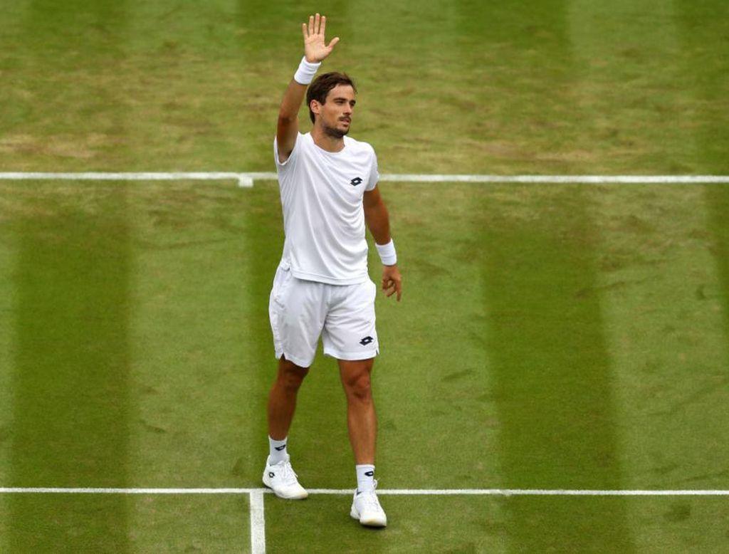McDonald pone fin a la aventura de Pella en Wimbledon.  <strong>Foto:</strong> Internet