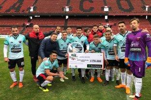 Colón goleó 5 a 0 a Ex Alumnos por la Copa Santa Fe
