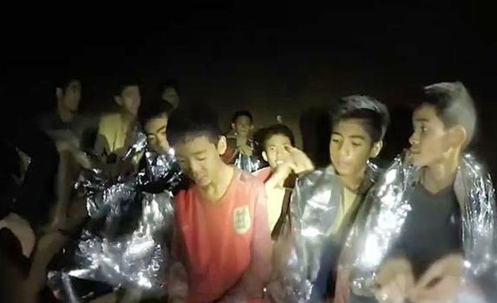 Los chicos en el rescate. Crédito: BBC Mundo