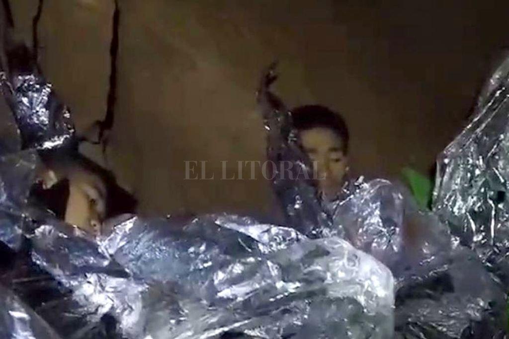 Los 12 niños atrapados en la cueva de Tailandia fueron rescatados — Confirmado