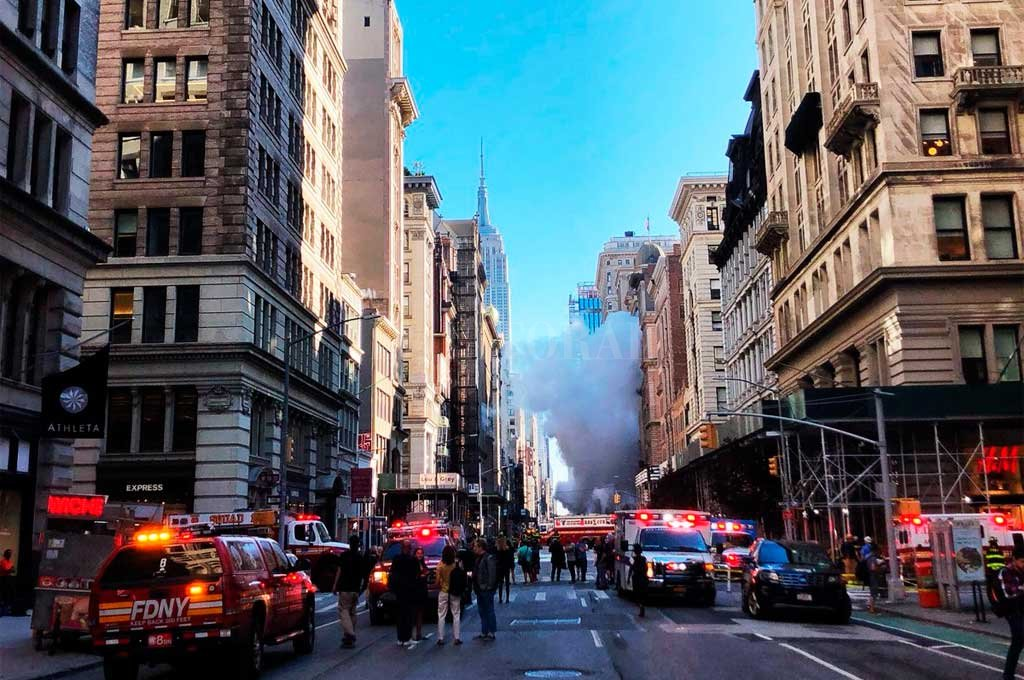 Tubería de vapor estalla en Manhattan