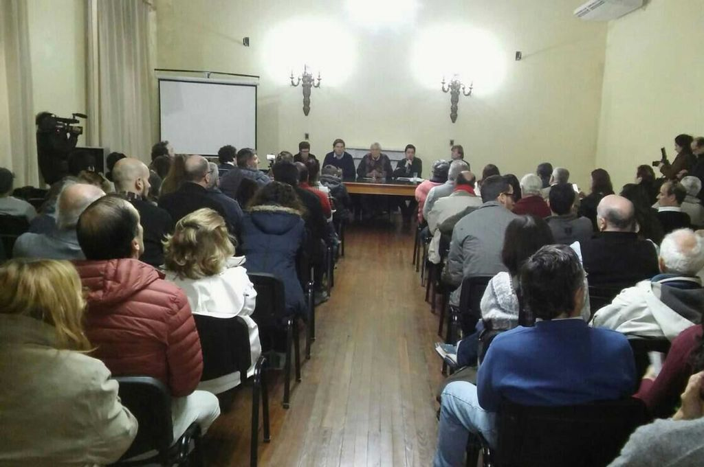 A raíz de la cautelar, los vecinos y autoridades se reunieron para analizar los pasos a seguir. <strong>Foto:</strong> Municipalidad de Gualeguaychú