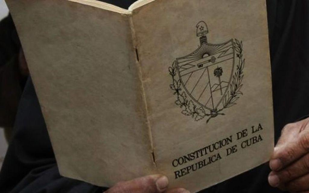 Las reformas económicas marcan el paso a la nueva Constitución cubana. Crédito: Internet