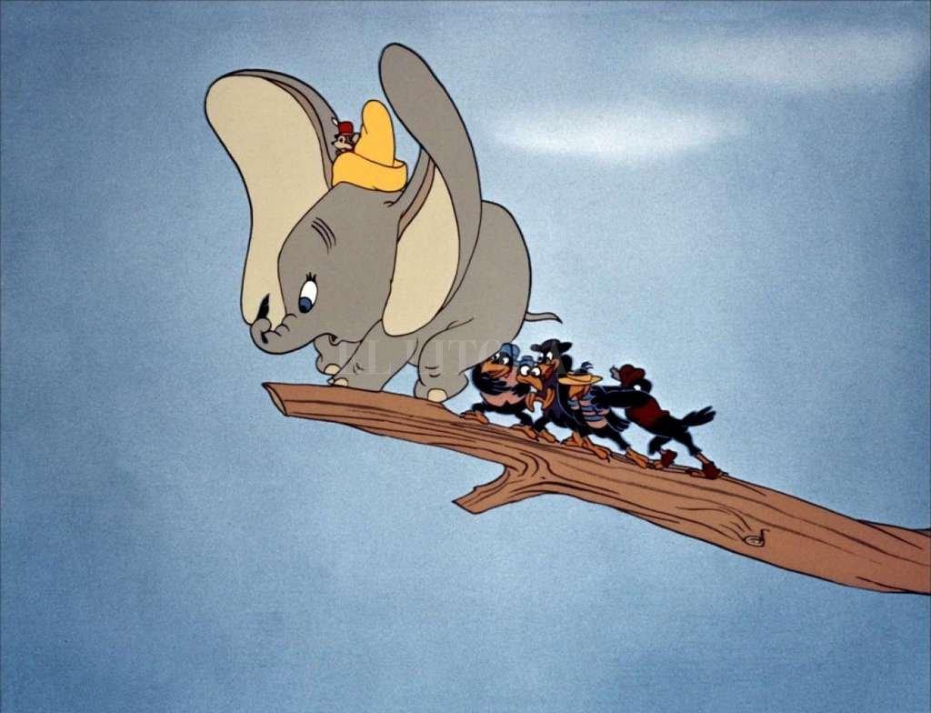 Dumbo, uno de los personajes icónicos de Disney, volverá en nuevo formato en una película dirigida por Tim Burton.  <strong>Foto:</strong> Disney