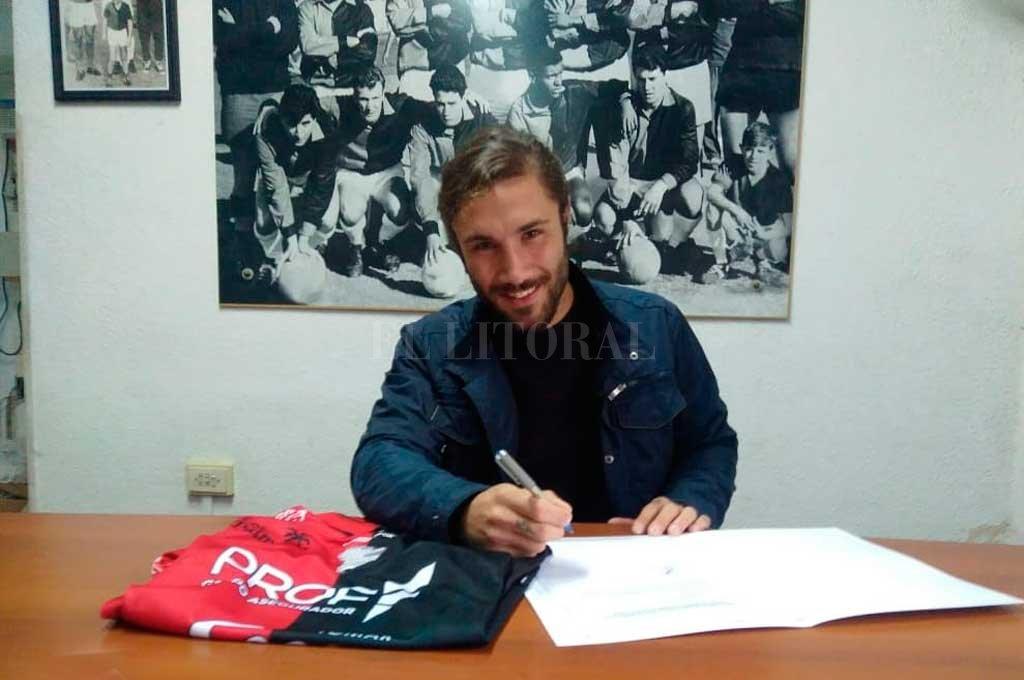 Zuculini ya firmó con Colón este miércoles al mediodía.  <strong>Foto:</strong> Prensa Colón