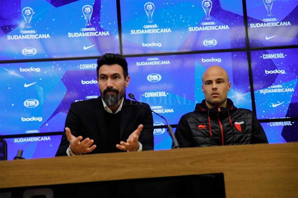 Domínguez y Fritzler brindaron una conferencia de prensa luego de la gran victoria sabalera en tierras brasileras Crédito: Agencia Efedos