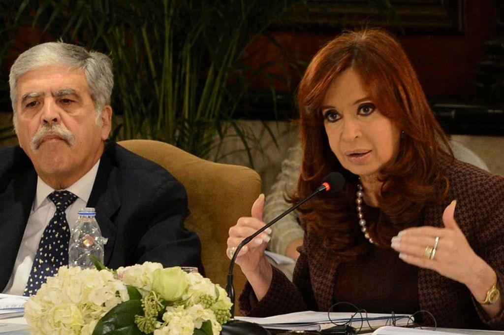 Cristina Kirchner junto al ex ministro de Planificación, Julio De Vido. Crédito: Internet