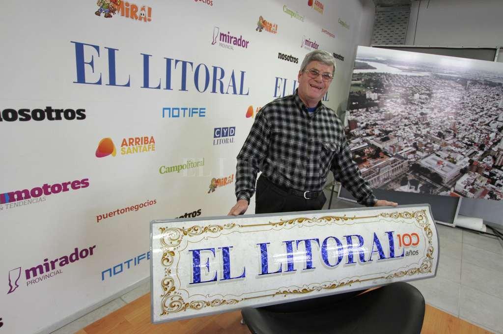 """""""100 años se cumple una sola vez, así que no me lo quería perder"""", dijo Peco al pisar la redacción de El Litoral. <strong>Foto:</strong> Guillermo Di Salvatore."""