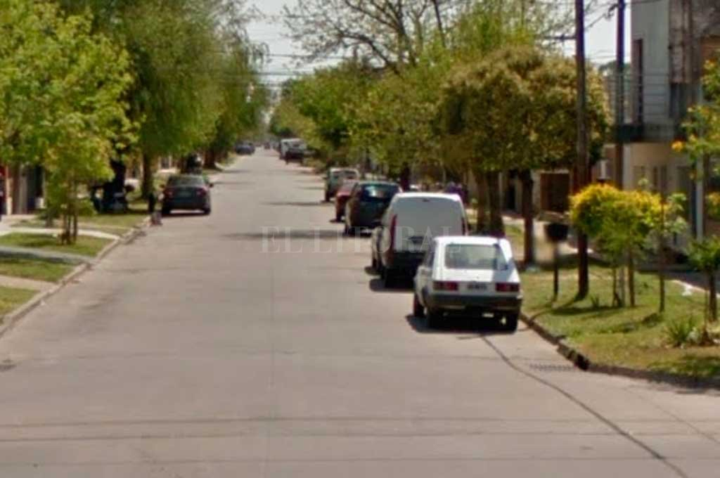 Vecinos de barrio Alberdi asistieron a una víctima de un asalto callejero Crédito: Captura de Pantalla - Google Street View