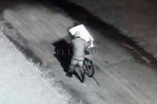 Insólito: lo detuvieron cuando transportaba un secarropa robado