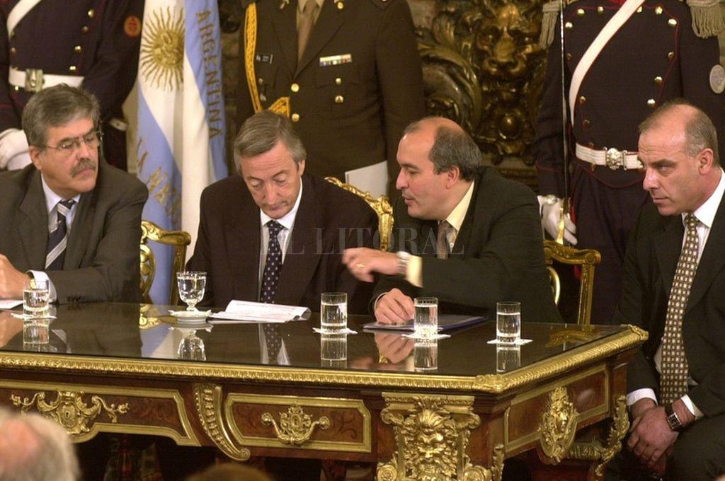 Julio de Vido, Néstor Kirchner -por entonces presidente- José López y Claudio Uberti. Crédito: Archivo El Litoral
