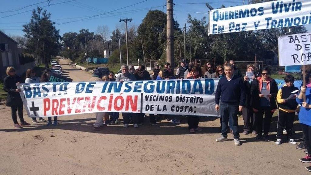"""No descansan tranquilos. Pero los vecinos de Colastiné Norte, """"no bajan los brazos"""" con sus reclamos Crédito: Facebook"""