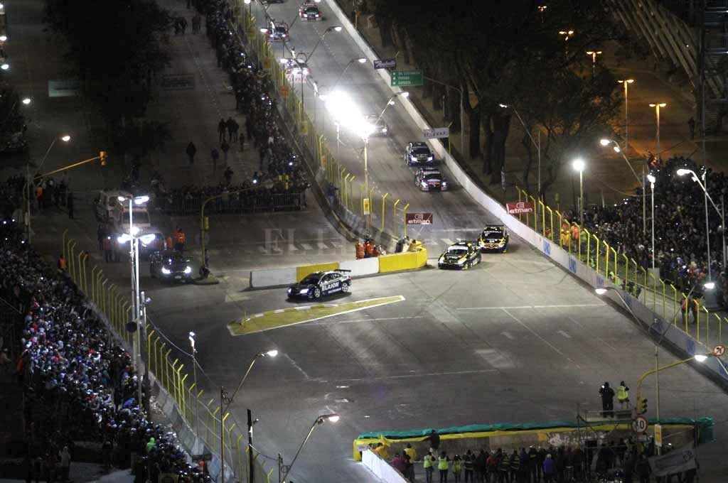"""Visibilizar Santa Fe. La competencia nocturna es el """"plato fuerte"""" y un elemento distintivo en comparación con otras carreras. <strong>Foto:</strong> Archivo El Litoral"""