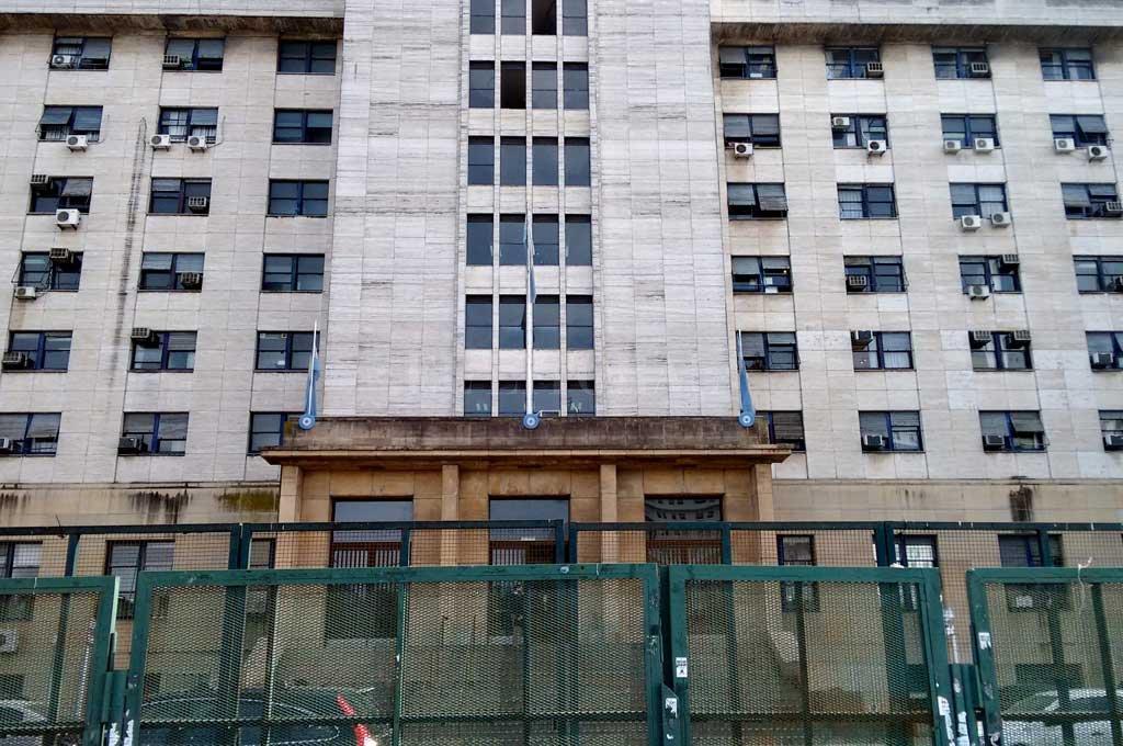 Los tribunales federales de Comodoro Py, el centro de la información desde el pasado primero de agosto.  Crédito: Archivo El Litoral