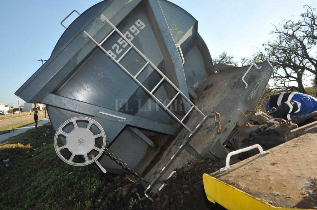 El miércoles descarriló otro tren del Belgrano Cargas con soja en Dorrego al 8000. Crédito: Flavio Raina