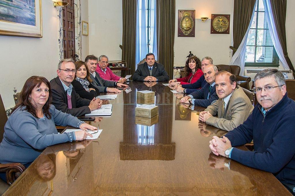Reunión del rector de la UNL y los decanos de las facultades. Crédito: Prensa UNL